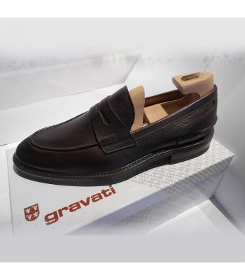 SPLIT TOE PENNY LOAFER IN BROWN
